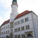 ratusz w Lubaniu (źródło zdjęcia i więcej informacji: www.luban.pl)