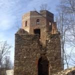 remontowana wieża z kaplicą